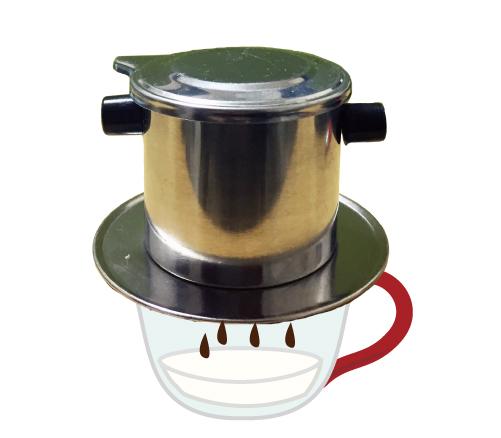 熱湯をたっぷり注ぐ。